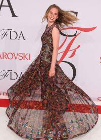 Майя на красной дорожке CFDA Fashion Awards
