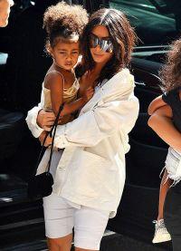 Ким Кардашьян считает, что прививать любовь к моде нужно с детства