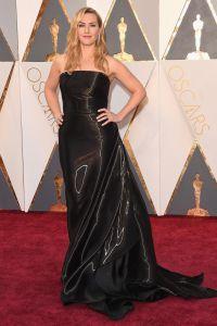 Кейт в спорном платье на красной дорожке «Оскара»