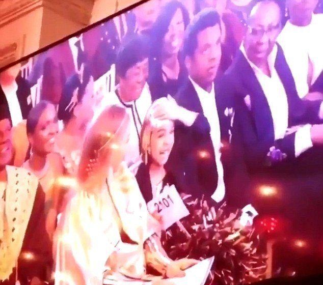 Дочь Бейонсе и Джей Зи с родителями приняла участие в аукционе