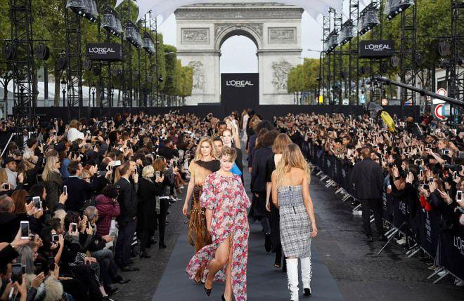 Показ L'Oréal Paris в Париже