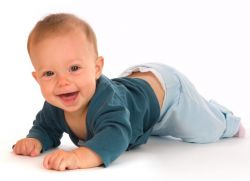8 mjeseci razvoja djeteta koji bi trebao biti u mogućnosti