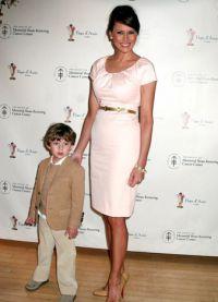 Мелания с сыном Бароном