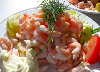 Традиционное местное блюдо из морепродуктов
