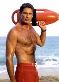 В 1989 года он начал сниматься в телесериале «Спасатели Малибу»