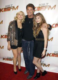 Хофф с дочерьми Хейли и Тэйлор