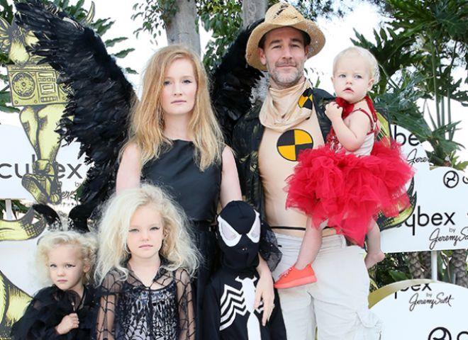 Джеймс Ван Дер Бик с женой и детьми