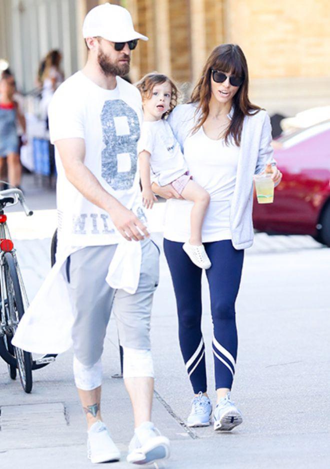 Джастин Тимберлейк и Джессика Бил с сыном