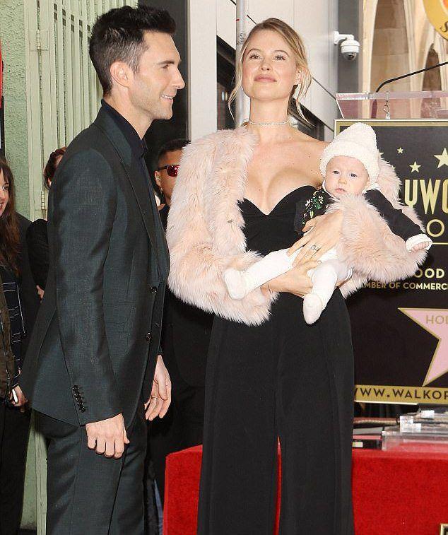Бехати Принслу и Адам Ливайн с дочерью