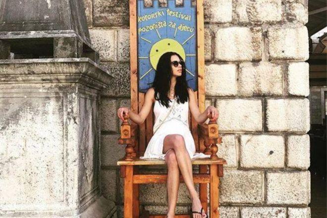 Адриана Лима отдыхает в Черногории