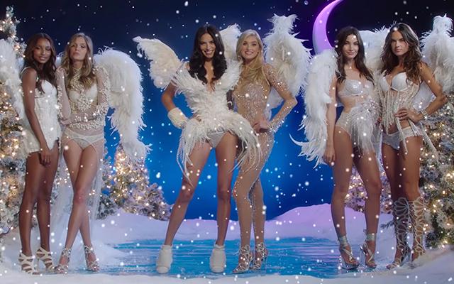 Адриана Лима с «ангелами» в новой рождественской рекламе Victoria's Secret