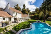 Большой дом рядом с пляжем был куплен за 6,4 миллиона долларов