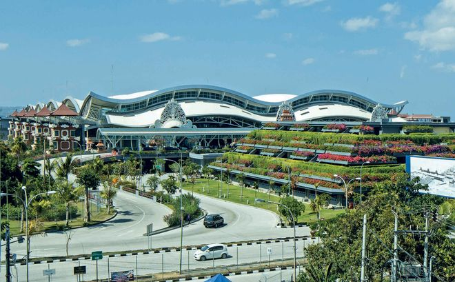 Аэропорт Нгурах-Рай на острове Бали, Индонезия