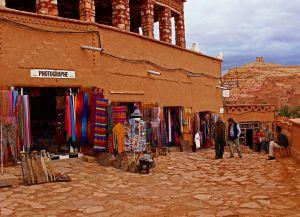 Торговые улицы с сувенирами