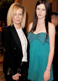 Ким Бэсинджер с дочерью