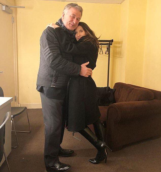 Алек Болдуин  и его жена Хилария накануне операции