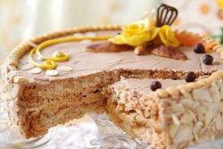"""Како украсити """"Кијев"""" торту код куће"""