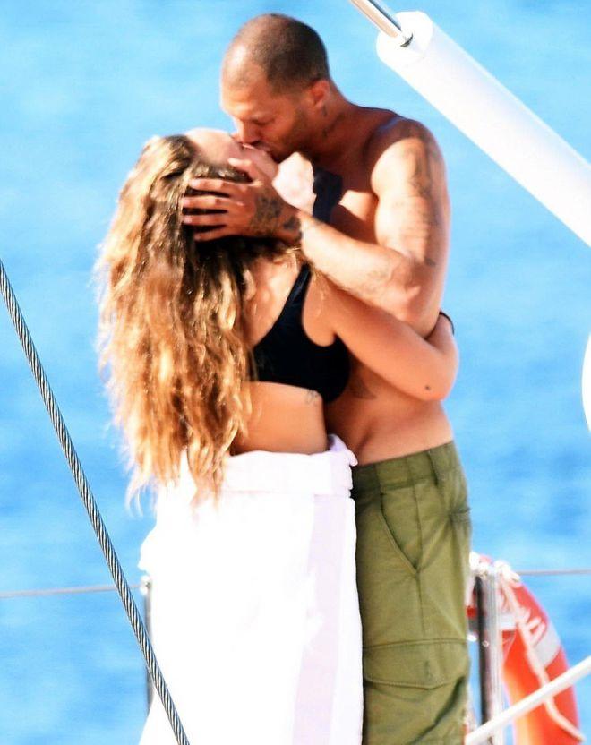 Поцелуй Джереми и Хлои