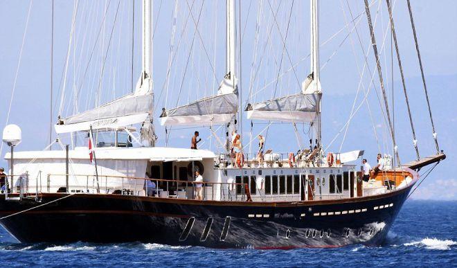 Яхта, на которой отдыхают знаменитости