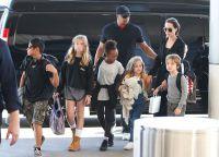 Анджелина и Брэд стараются во всем помогать своим детям