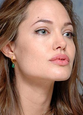 angelina jolie bez make-upu 1