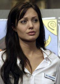 Angelina jolie bez makeupu 8