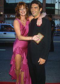 Горячий испанец влюбился в патнершу по фильму «Двое — это слишком» и 1995 году о