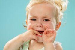 simptomi aftoznega stomatitisa pri otrocih