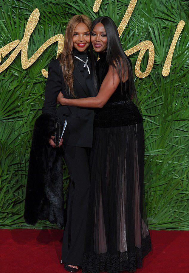 Наоми Кэмпбелл и Валери Моррис на The Fashion Awards 2017