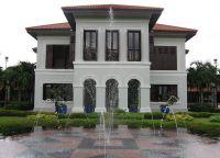 дворец Кампонг Глам