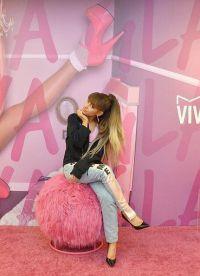 Ариана Гранде на церемонии Viva Glam