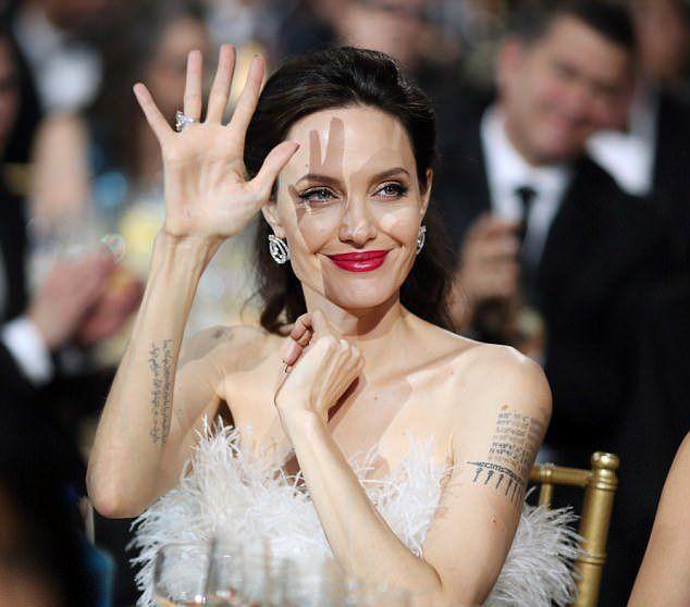 Анджелина Джоли на премии Critics' Choice Awards