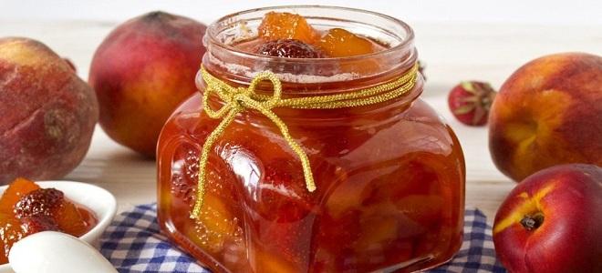 Różne owoce w syropie na zimę