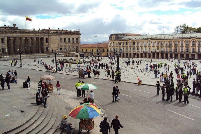 Площадь Боливара, Богота