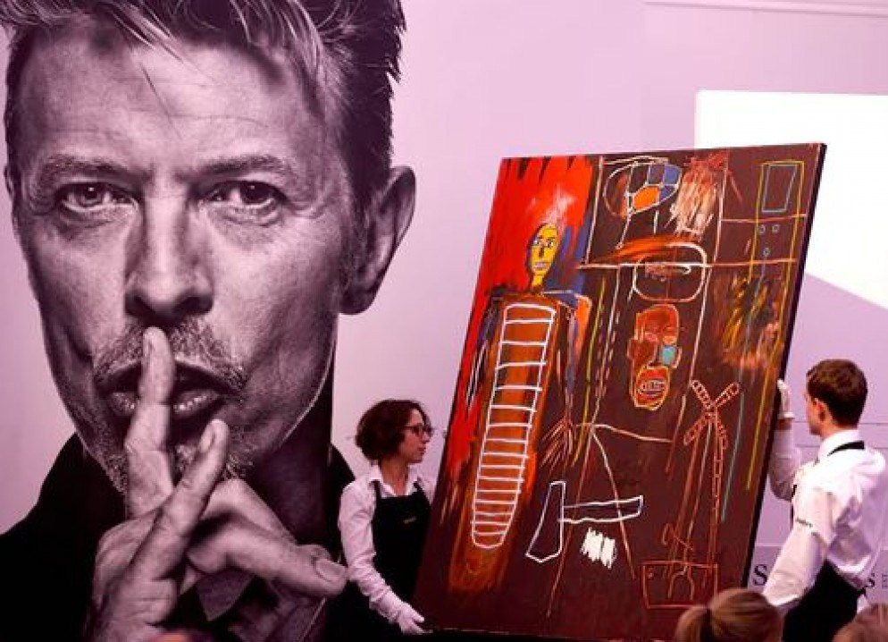 Beautiful, Hallo, Space-boy Painting и является аллюзией на хит Боуи