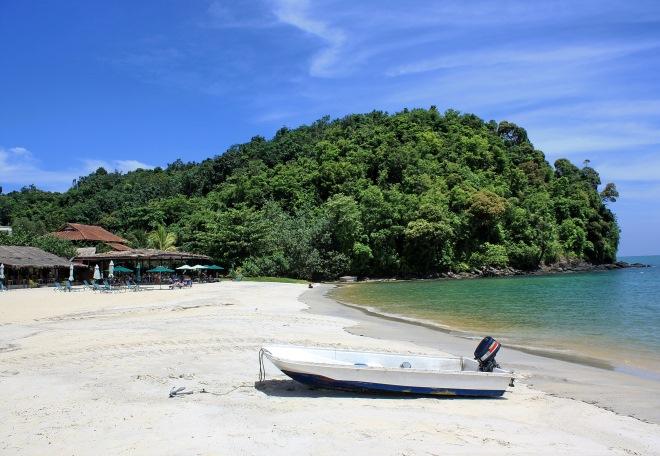 Пляж в бухте Pantai Pasir Tengkorak