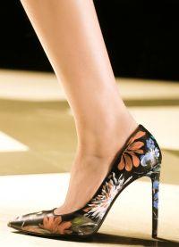 Piękne wysokie buty na obcasie 3
