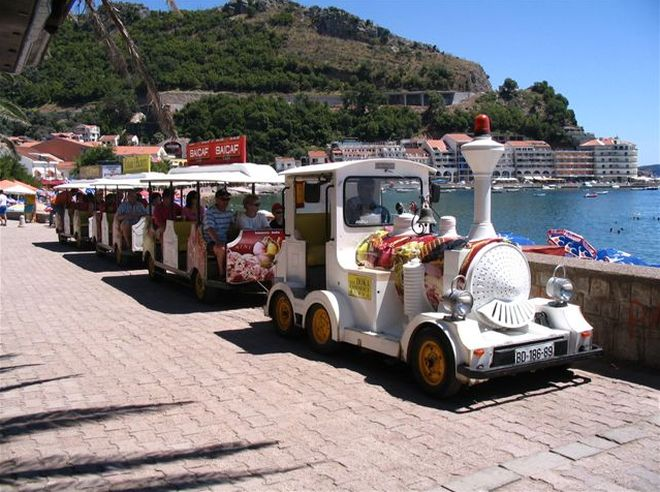 Туристический поезд в Бечичи