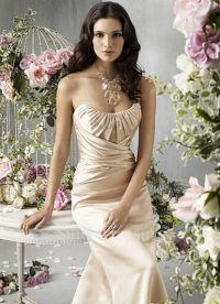 sukienki beżowe 6