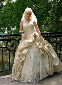 sukienki beżowe 7
