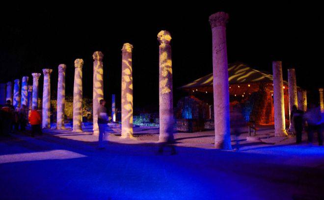 Ночное шоу в древнем городе