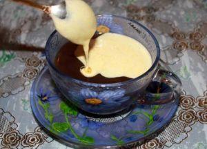 Кофе по-бельгийски со взбитым желтком