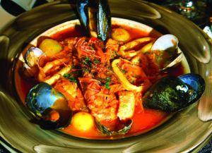 Суп с рыбой и устрицами