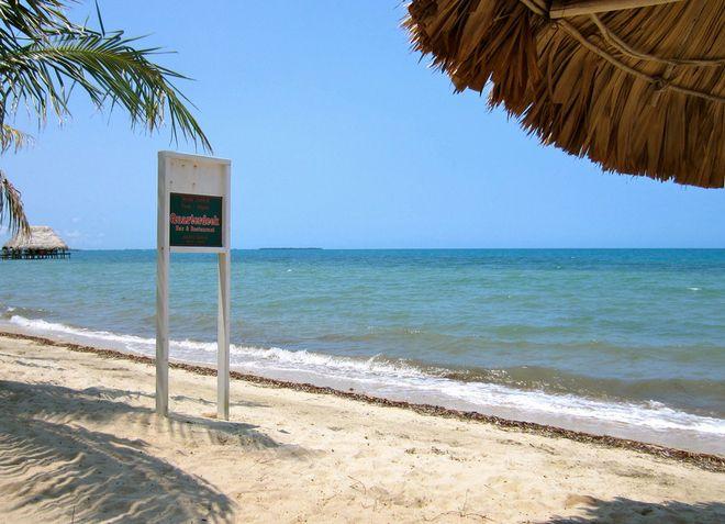 Пляж Пласениа с чистейшим белым песком