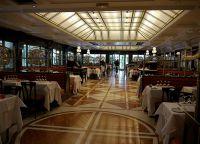 Ресторан Le Café de Paris изнутри