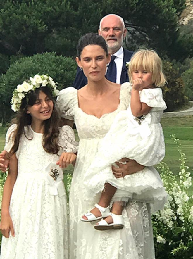 Бьянка Балти с дочерьми