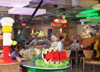 Детские развлечения в ресторане  Legoland