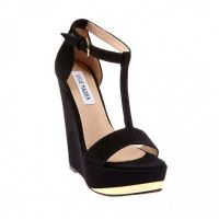 Czarne sandały na klinie 9