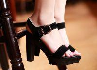 crne sandale s debelim potpeticama3