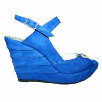 Niebieskie sandały na klinie 6